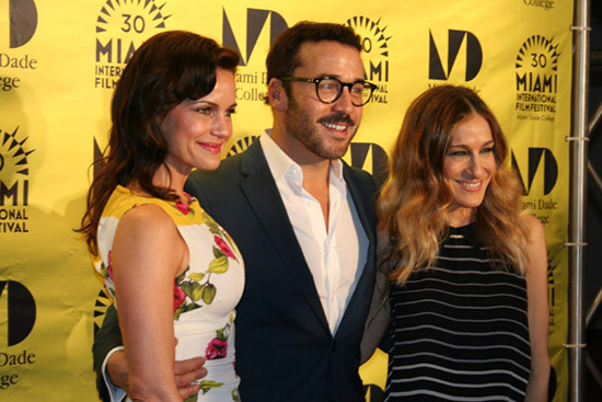 Click here for more photos of Sarah Jessica Parker, Carla Gugino, and Jeremy Piven at the Miami Rhapsody Retrospective screening in Miami